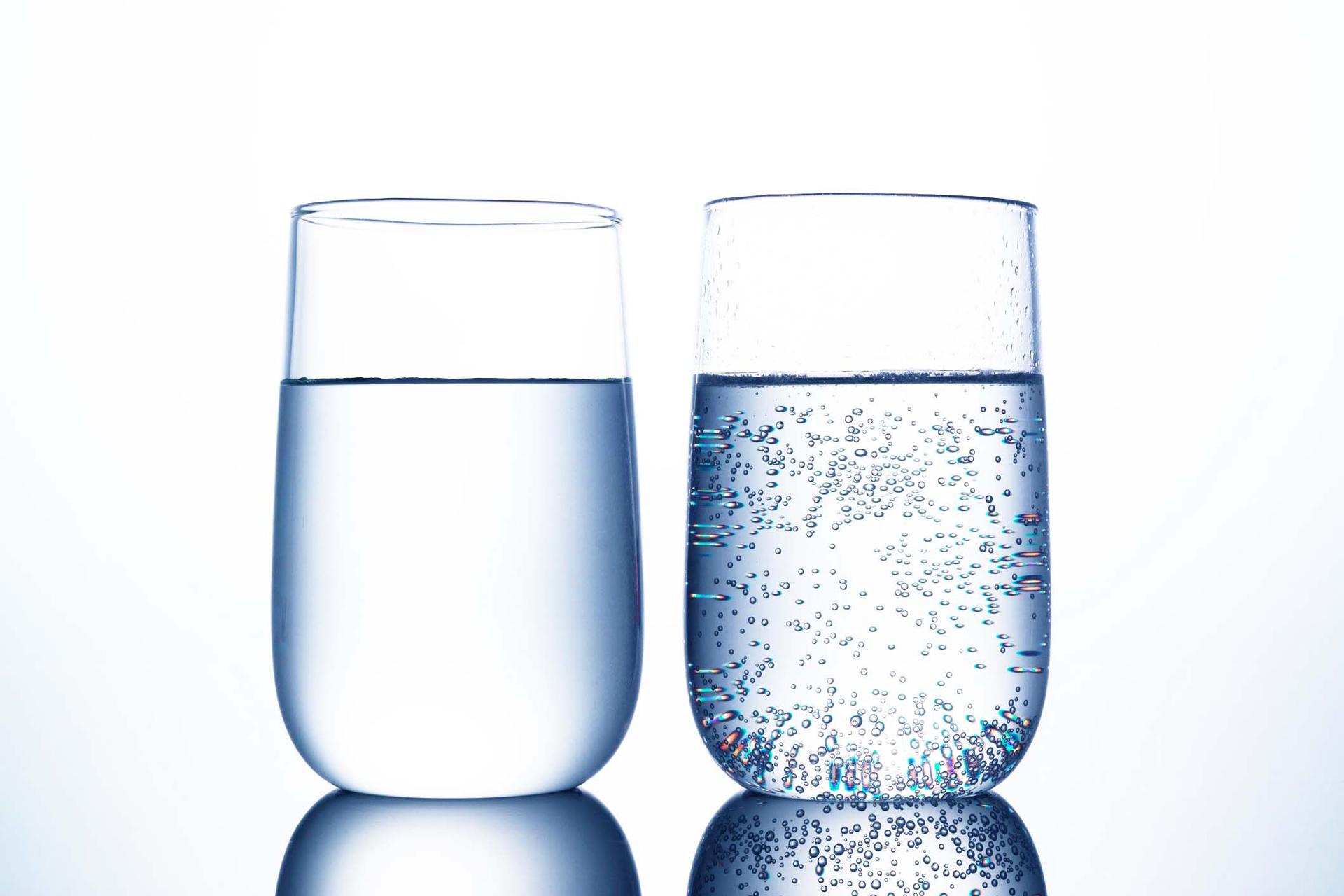 Acqua liscia, acqua frizzante: acqua gassata a prezzo di costo